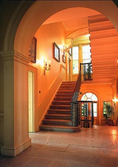 Kelston interior
